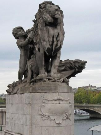 Pont Alexandre lion © 2014 Karen A Johnson