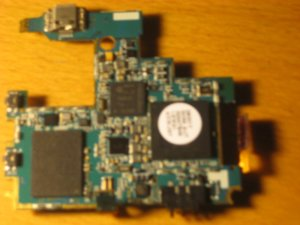 closeup of unshielded I9000 board