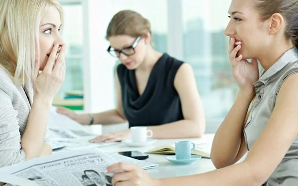 10 tematów, których lepiej unikać w pracy