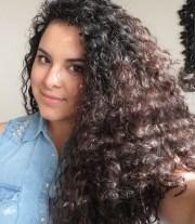 style curly hair karina
