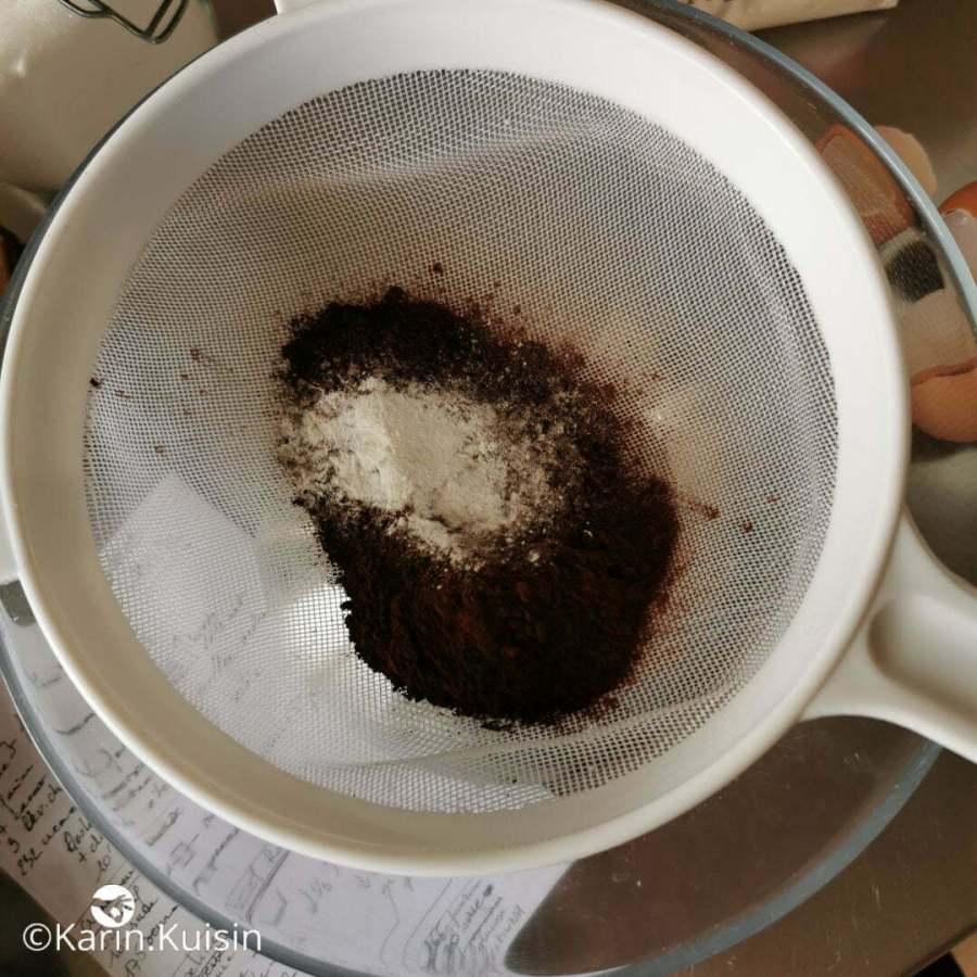 cacao levure tamiser