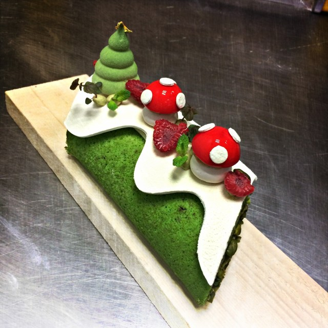 jeffrey_cagnes_monsieur_bleu_palais_de_tokyo_paris_french_pastry_patisserie_buche_noel_christmas_cake_log_2014