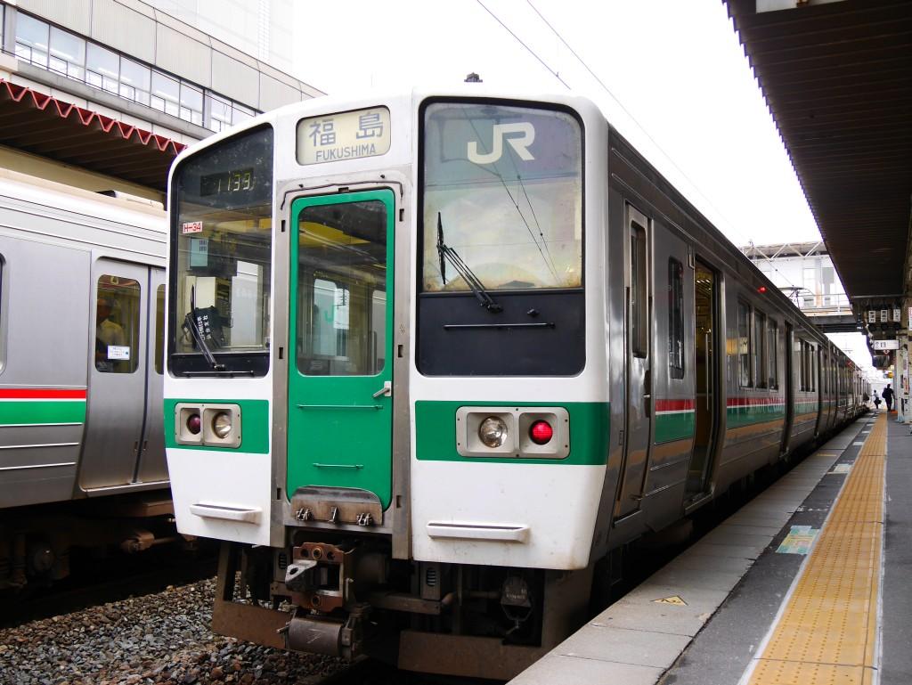 719系4両編成福島行き