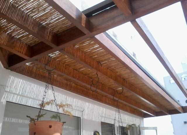 Cobertura de vidro com bambu  Karla Cunha