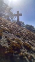 Odd perspective: top of a tomb (Cimetière du Père-Lachaise)