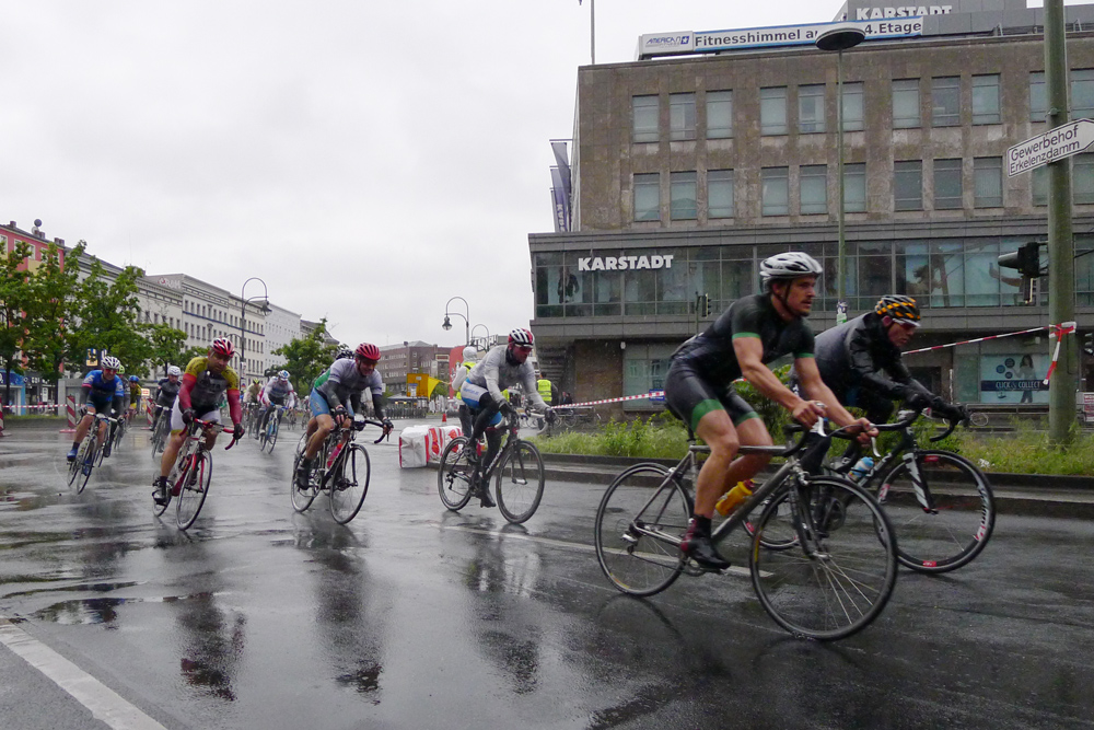 Berlin Velothon 2014, 60 km, at Hermannplatz, almost leaders