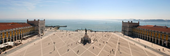 Birdseye view over Praca Do Commercio