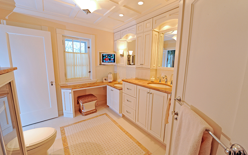 Bath Remodelers | Shaker Heights Ohio | Karlovec & Company