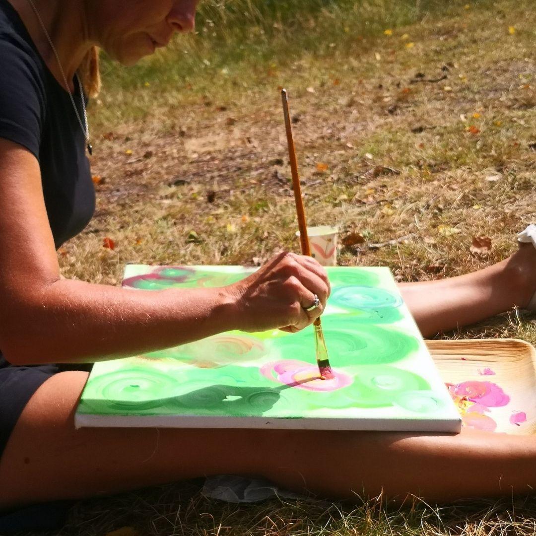 Måla med alpackor  släpp loss kreativiteten