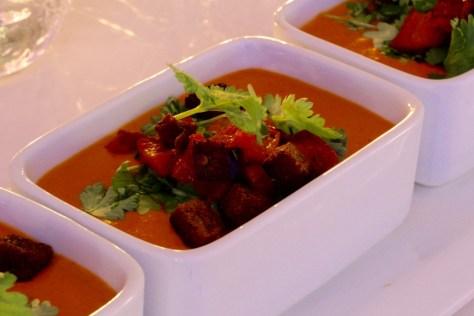 soppa på rostad paprika och sötpotatis