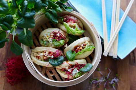 Asian steamed bun servering