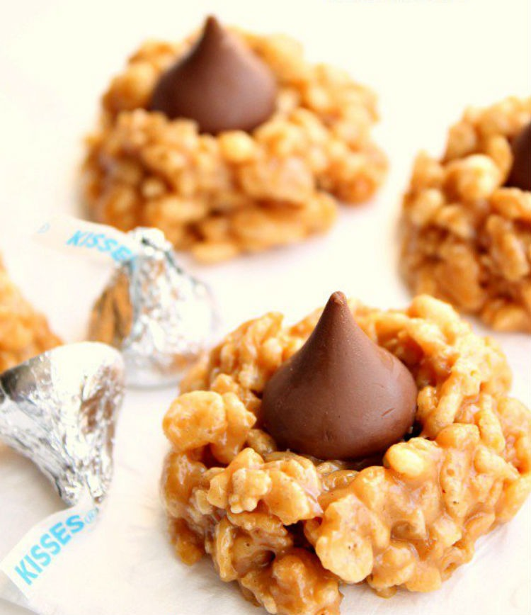 No-Bake-Peanut-Butter-Kiss-Cookies