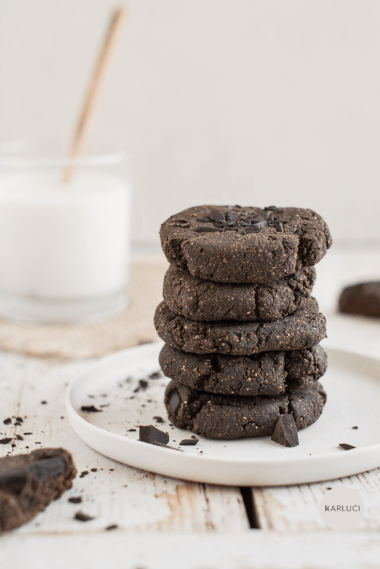 Paleo Chocolate Chip Cookies