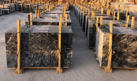 black-marble-tiles