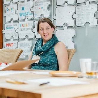 """Foto von Lucia Greiner für """"eigenstimmig"""". Hier ist ein Foto aus einem PR Workshop zu sehen."""