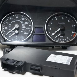 VOLVO SEMI TRUCK TRACTOR Speedometer Gauges Dashboard