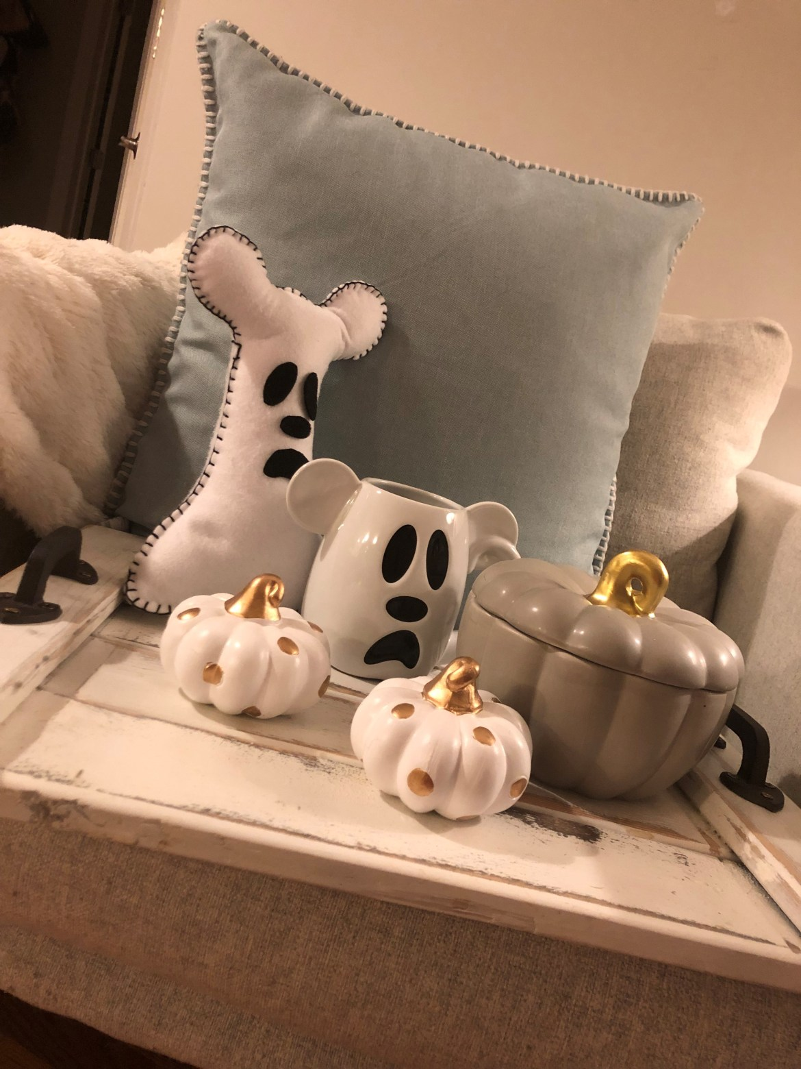 Learn how to make a DIY Mickey Mouse Ghost Pillow with FREE Printable Pattern!