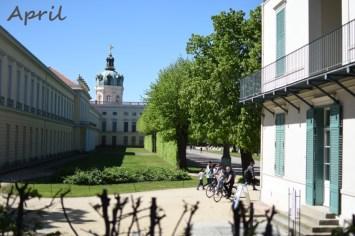 Schlosshinterhof April 19
