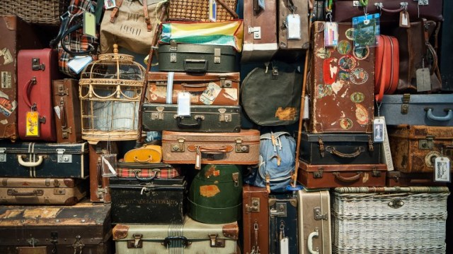 Why are there so many thrift stores in malang ?
