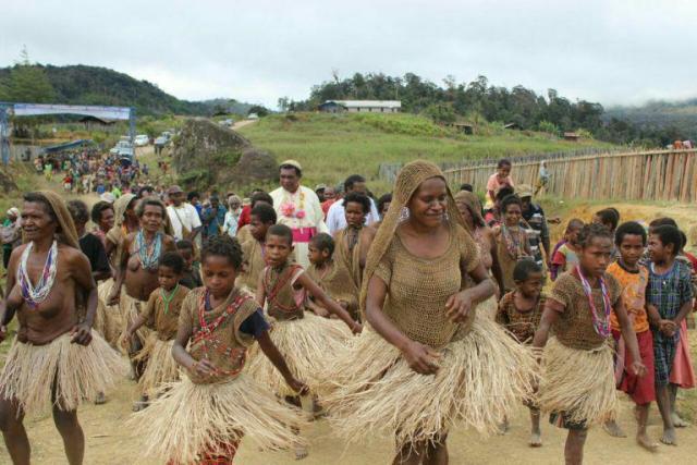 Sejarah Freeport, Suku Amungme, Suku Kamoro, Dampak Freeport, Freeport di Papua, Papua Medeka, Aliansis Mahasiswa Papua, AMP, IPMAPA, West Papua, Freepot dulu,