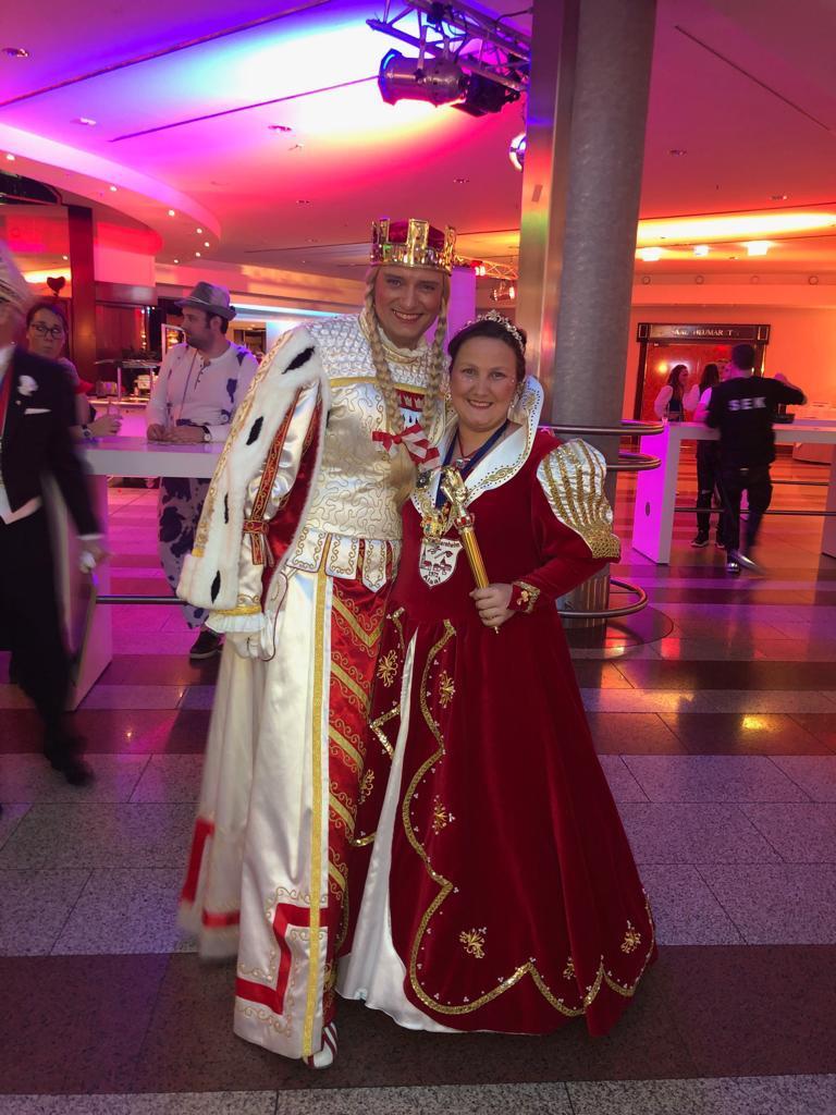 Prinzessin mit Jungfrau von Köln