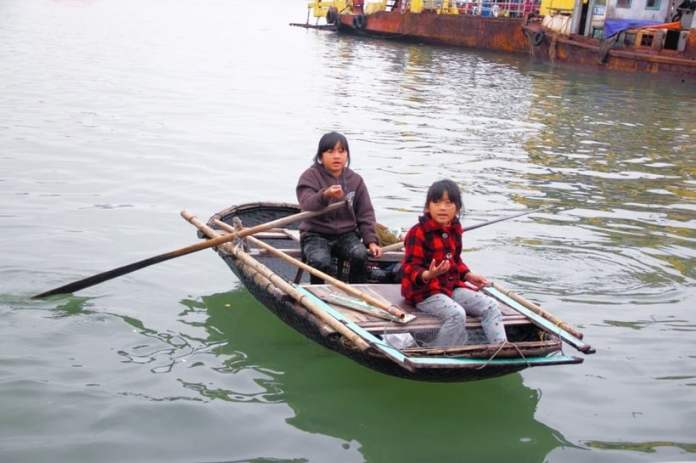 Girls on the boat in Vietnam