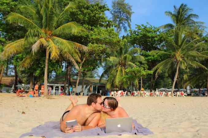 Jobs for a couple that involve beachtime!