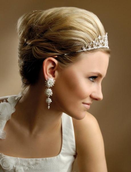 Brautfrisur kinnlange haare