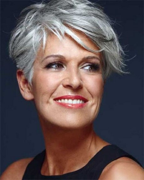Halblange Frisuren Für ältere Damen