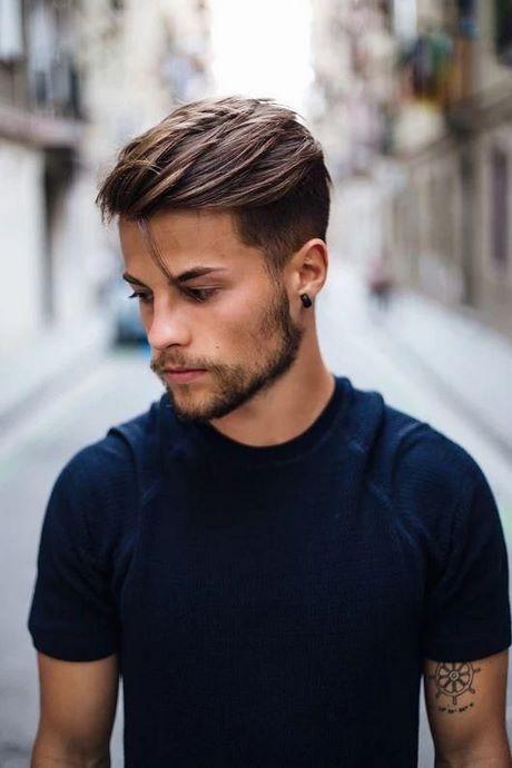 Der undercut haarschnitt ist schon lange zeit bekannt aber früher trugen den die mitglieder der subkulturen und die rebellischen und extraordinären männer und frauen die sich aus der masse abheben wollten. Neue herrenfrisuren 2020