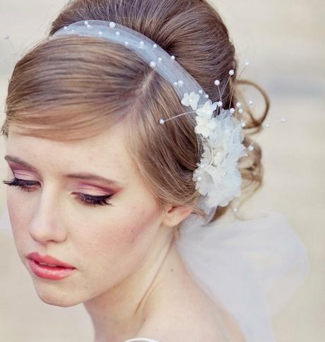 Brautfrisur schlicht