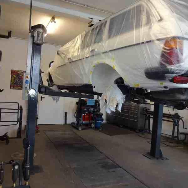Fahrzeuginstandsetzung und Restauration eines Mercedes-Benz W123 T-Modell