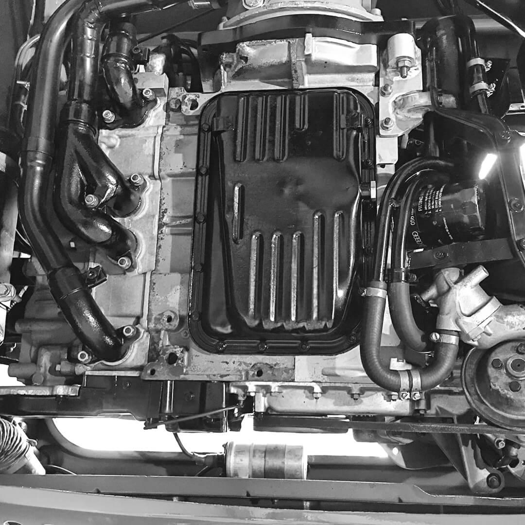 Motoreninstandsetzung und Teile-Tausch