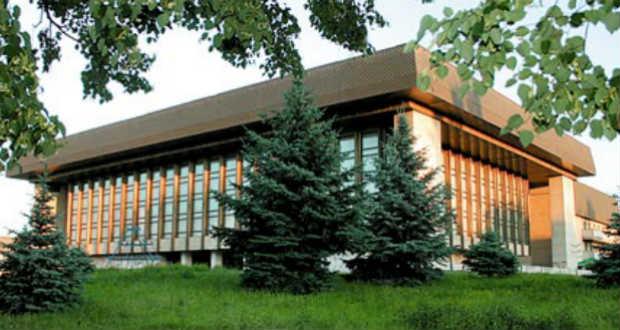 Új igazgatója van a megyei ukrán zenei-drámai színháznak