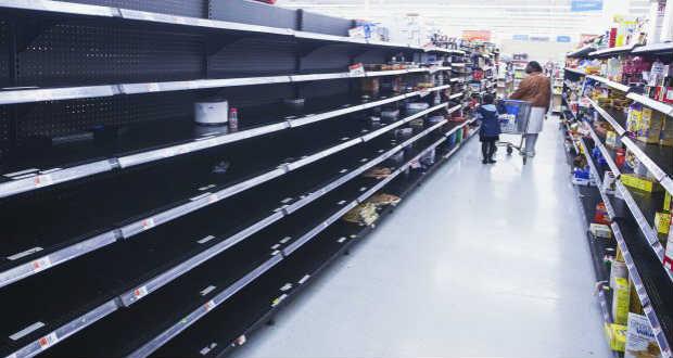 Kiürültek az élelmiszerboltok polcai az őszi zsidó ünnepek idején Izraelben