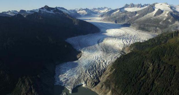 Olvadnak az Alpok gleccserei