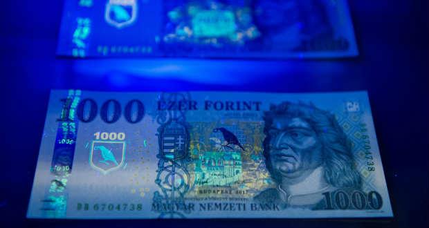 Új ezer forintos bankjegyet vezetnek be csütörtöktől