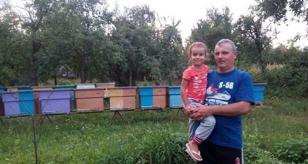 Kárpátaljáról jöttem, mesterségem címere: méhész