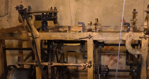 Háromszáz éves óra mutatja az időt Munkácson