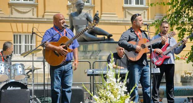 Felhangolva: Interjú a Munkácsi Roma Dicsőítő Zenekar tagjaival