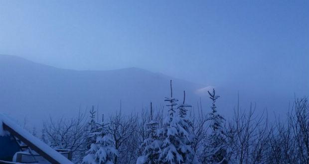 Egyméteres hó hullott a Kárpátokban