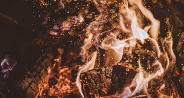 Dsida Jenő: Lángok