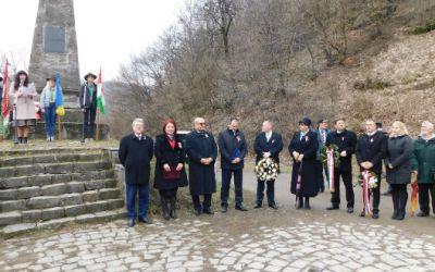 Tisztelet a bátraknak, szabadságot a magyarnak! – március 15-i megemlékezés Munkácson