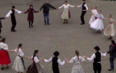 Kárpátalja ma: március 15-i flashmob Beregszász főterén