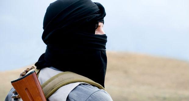 Dzsihadisták autóba rejtett pokolgépekkel támadták a kormányerőket Szíriában