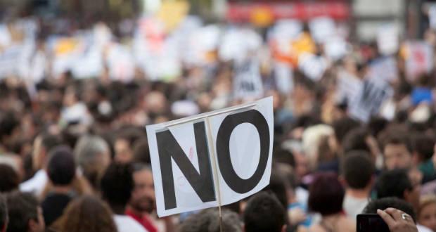 Több ezren tüntettek Kijevben a kapituláció ellen