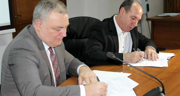 Együttműködési megállapodást írt alá az UNE és a megyei hivatal