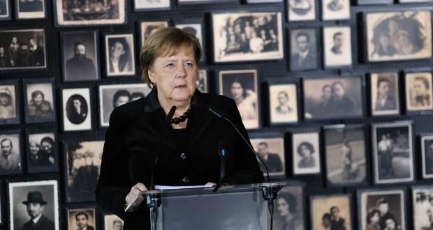 Merkel Auschwitzban mély szégyenérzetről beszélt