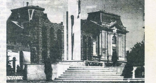Beregszász első köztéri emlékműve
