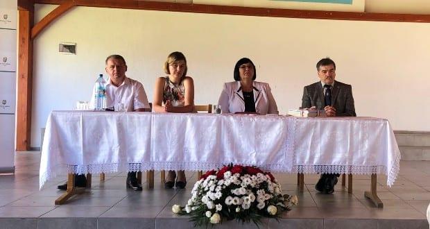 Урочисте відкриття навчального року для угорських шкіл Закарпаття, яке відбулося в селі Пийтерфолво.